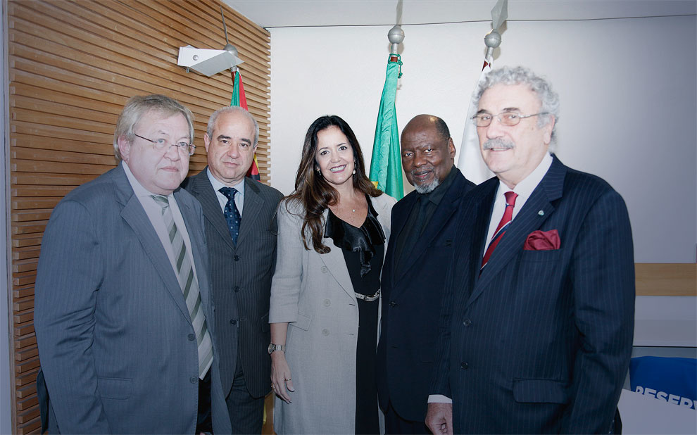 FGV celebra acordo de parceria para formação de líderes em Moçambique