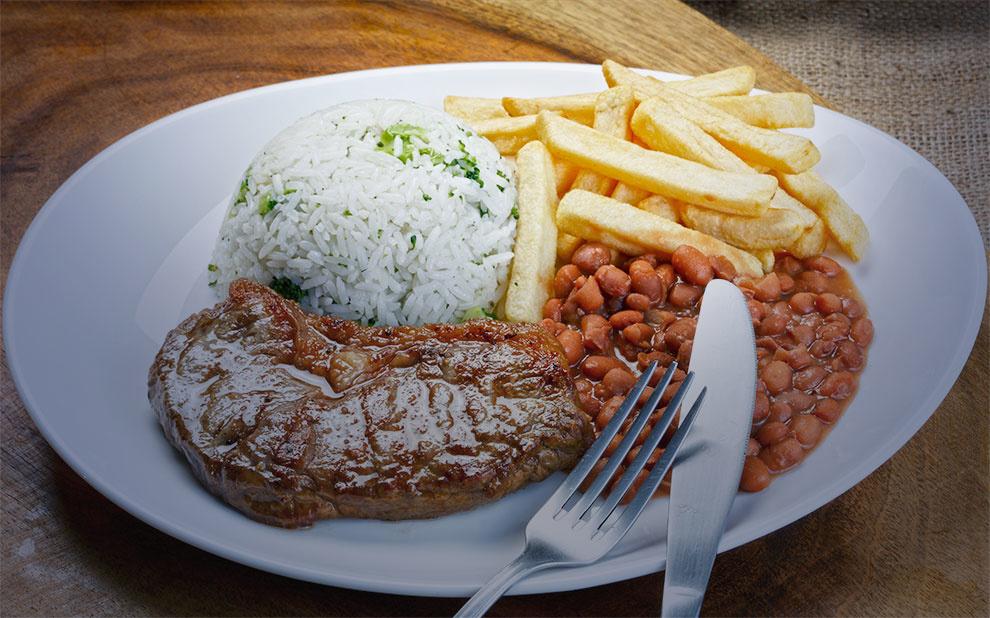 Comida mais barata na mesa do brasileiro